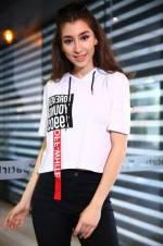 Kadın Kapüşonlu Beyaz T-shirt TŞT001906327